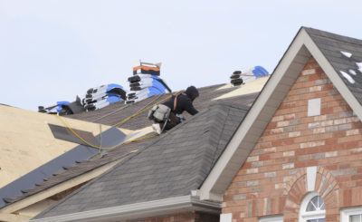 Know When to Call a Roofing Contractor to Help You